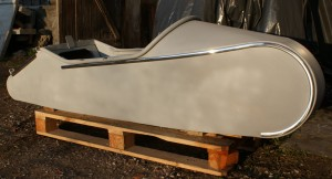 boat LS 200 / RS 1, primed, with alu trim, footrest, luggage bar