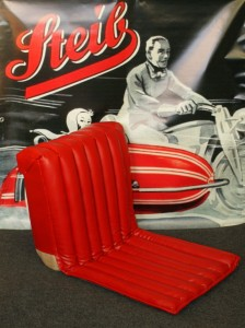 Seat LS 200  original, foam rubber & springs, red